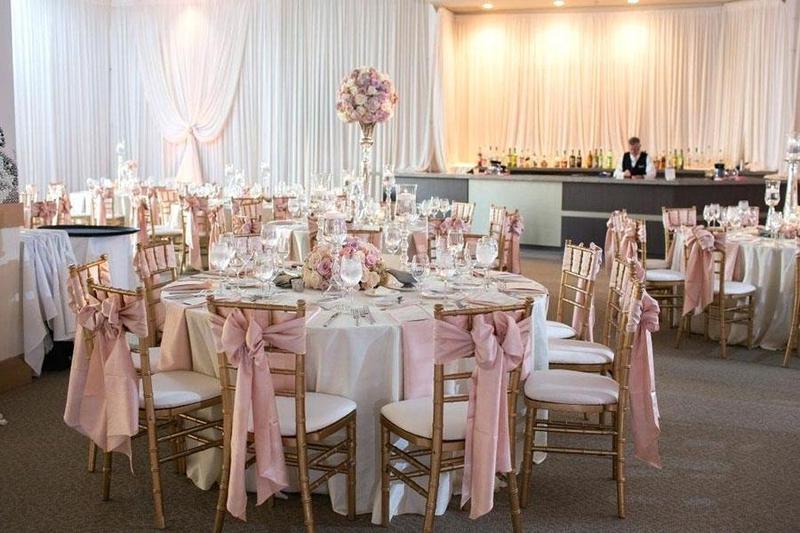 Kinh nghiệm đặt tiệc cưới tại nhà hàng cho các nàng dâu – chàng rể