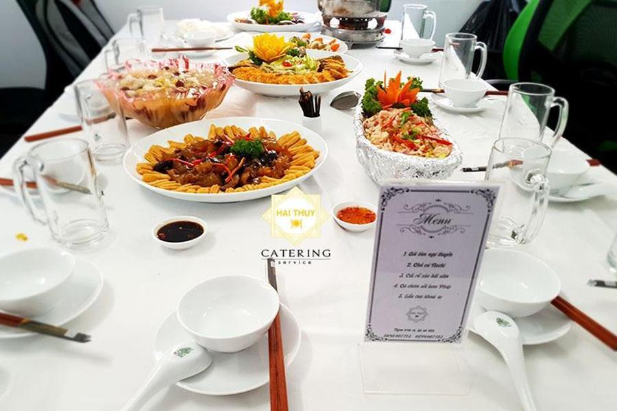 Đặt tiệc cưới tại nhà quận 3 - Hai Thụy Catering mách bạn cách lên thực đơn đám cưới ngon và tiết kiệm
